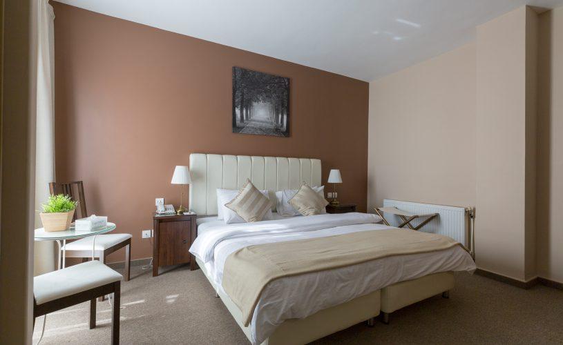 conroy hotel room